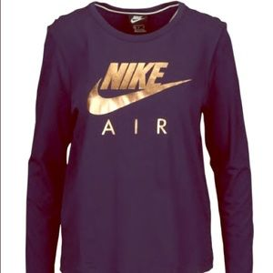 Black w/ gold logo Long sleeves Nike shirt